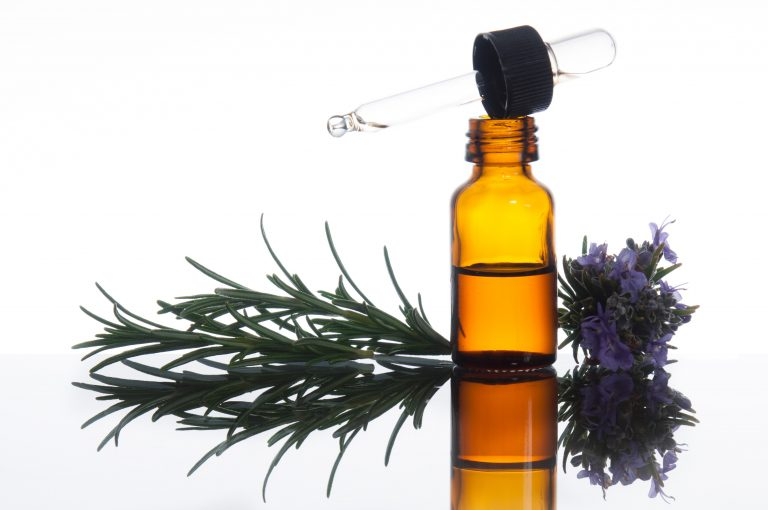 Read more about the article 3 Ways to Use Essential Oils